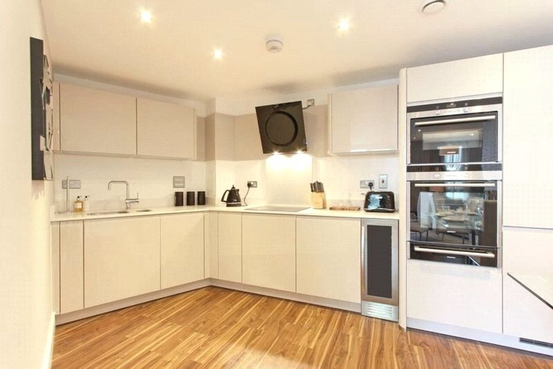 Flat for sale in Altitude Point, 71 Alie Street, E1 8NG - view - 6
