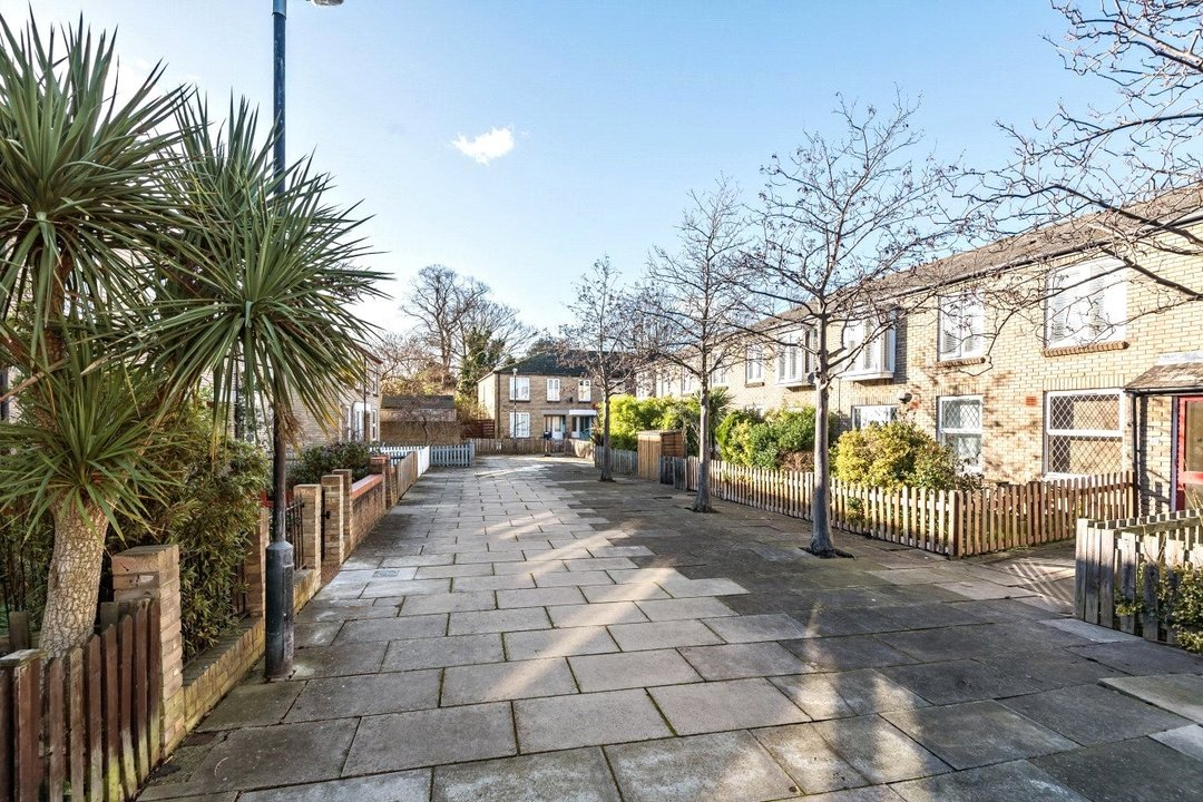 House for sale in Bobbin Close, London, SW4 0LL - view - 1