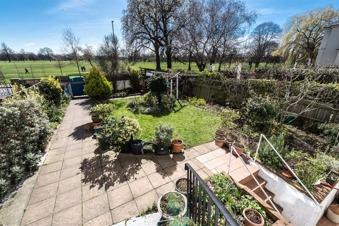 House for sale in Clapham Common North Side, London, SW4 9SA - view - 4
