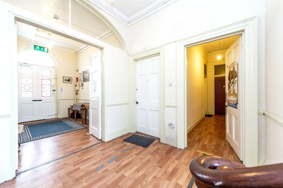 House for sale in Clapham Common North Side, London, SW4 9SA - view - 5