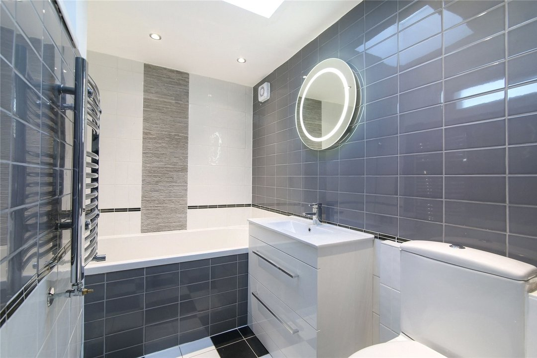 Bungalow for sale in Downsview Road, Upper Norwood, SE19 3XB - view - 5