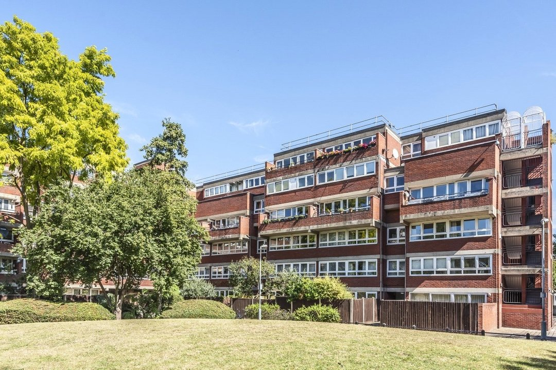 Flat for sale in Goulden House, Bullen Street, SW11 3HH - view - 9