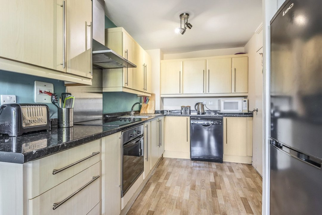 Flat for sale in Goulden House, Bullen Street, SW11 3HH - view - 2