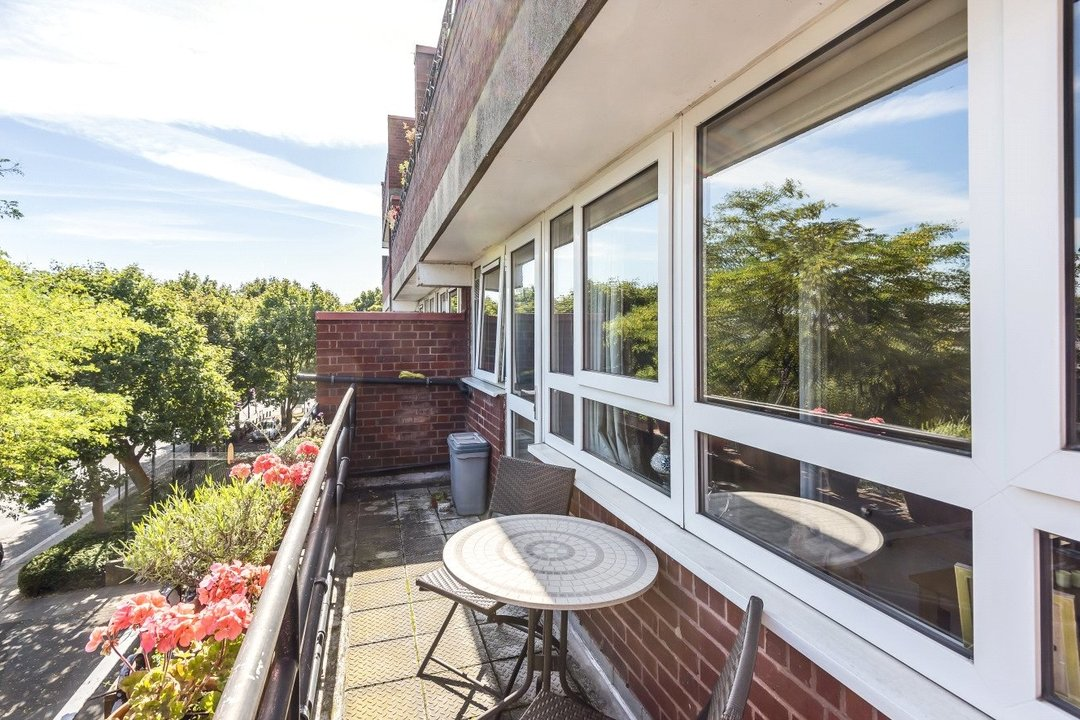 Flat for sale in Goulden House, Bullen Street, SW11 3HH - view - 3