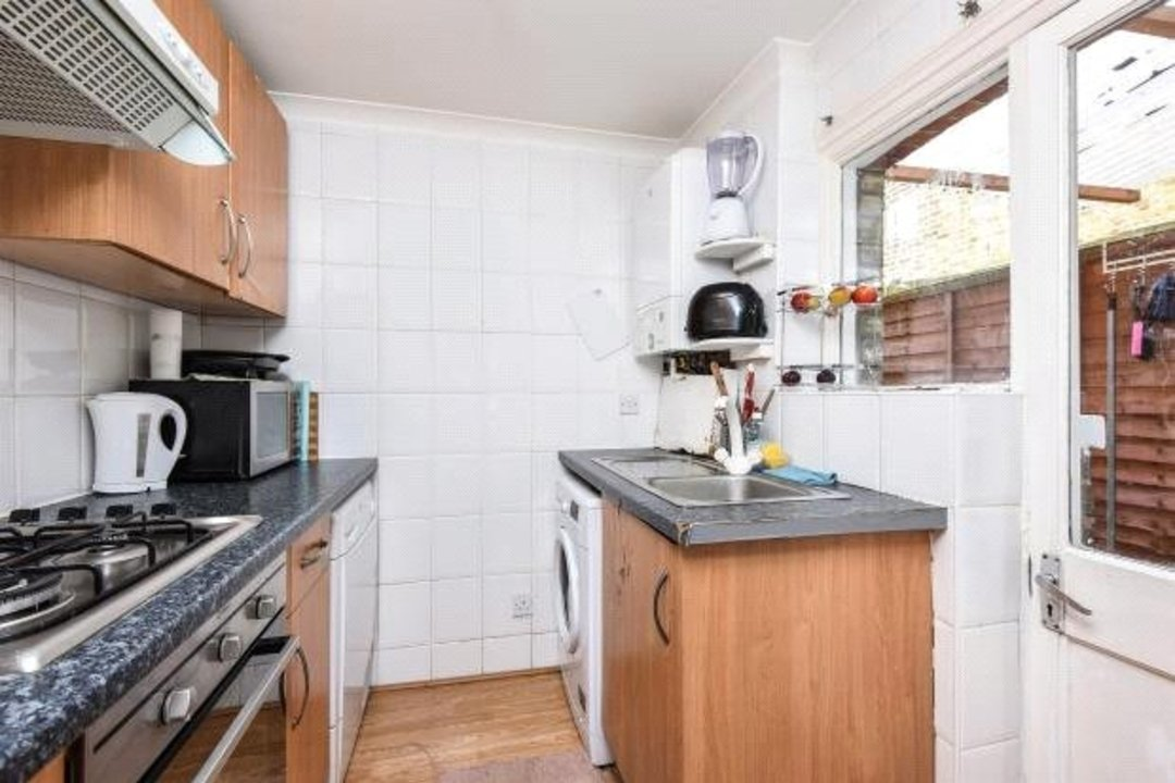 Flat for sale in Greyhound Lane, London, SW16 5NW - view - 3
