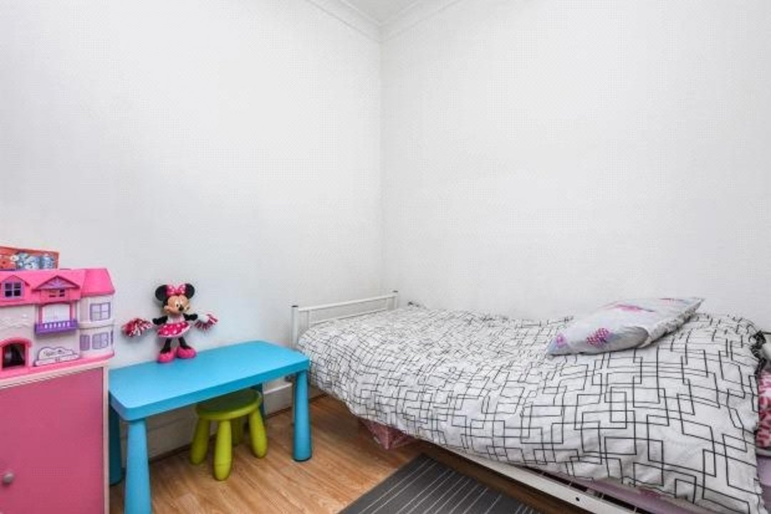 Flat for sale in Greyhound Lane, London, SW16 5NW - view - 4