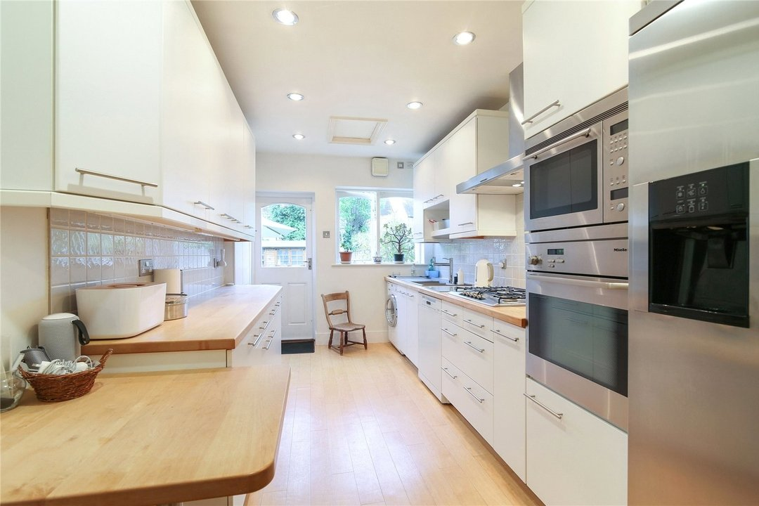 House for sale in Kilmartin Avenue, Norbury, SW16 4RA - view - 4