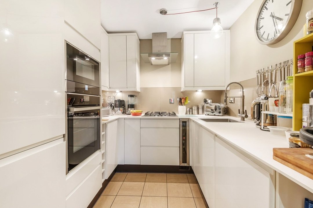 Flat for sale in Kings Avenue, , SW4 8DY - view - 2