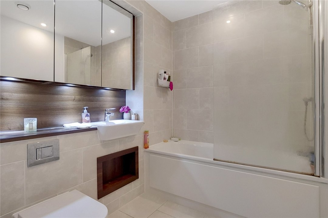 Flat for sale in Ontario Point, 28 Surrey Quays Road, SE16 7EE - view - 4