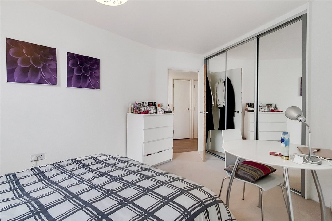 Flat for sale in Ontario Point, 28 Surrey Quays Road, SE16 7EE - view - 7