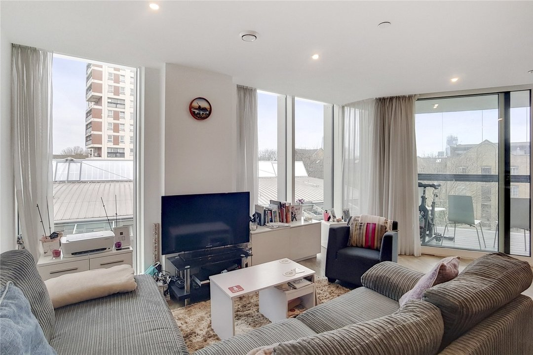 Flat for sale in Ontario Point, 28 Surrey Quays Road, SE16 7EE - view - 1