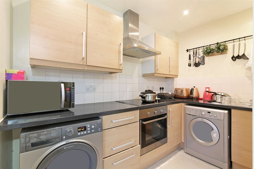 Flat for sale in Radnor House, 1272 London Road, SW16 4EA - view - 4