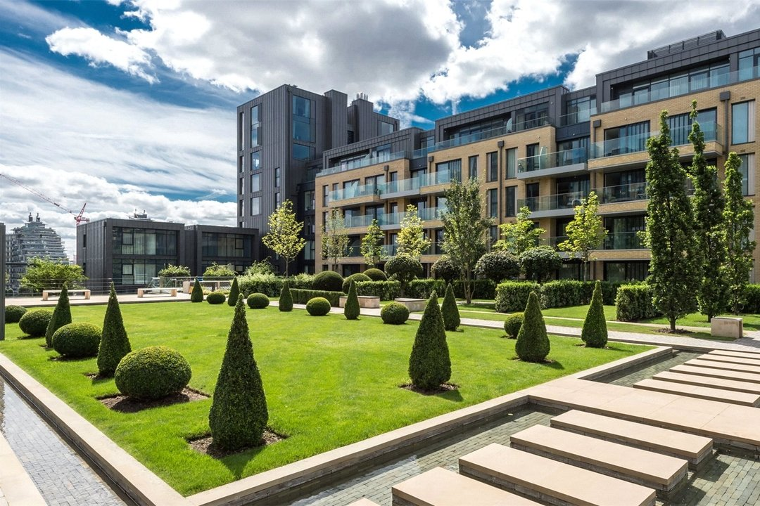 Flat for sale in Ravensbourne Apartments, 5 Central Avenue, SW6 2GN - view - 1