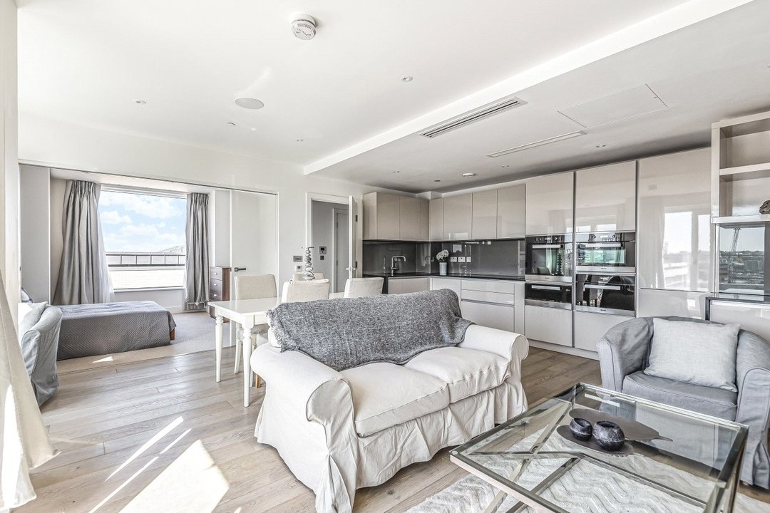 Flat for sale in Ravensbourne Apartments, 5 Central Avenue, SW6 2GN - view - 2