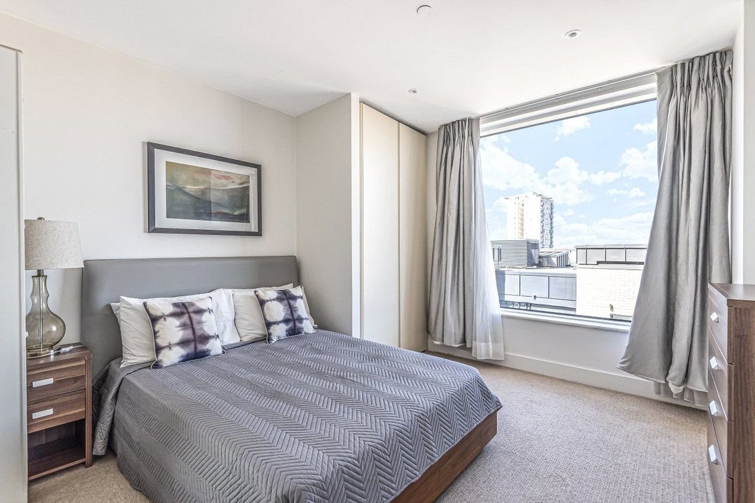 Flat for sale in Ravensbourne Apartments, 5 Central Avenue, SW6 2GN - view - 10
