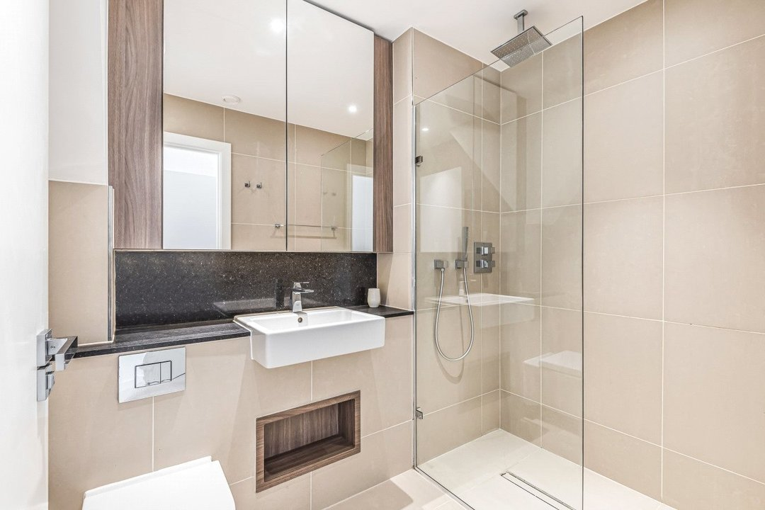 Flat for sale in Ravensbourne Apartments, 5 Central Avenue, SW6 2GN - view - 7