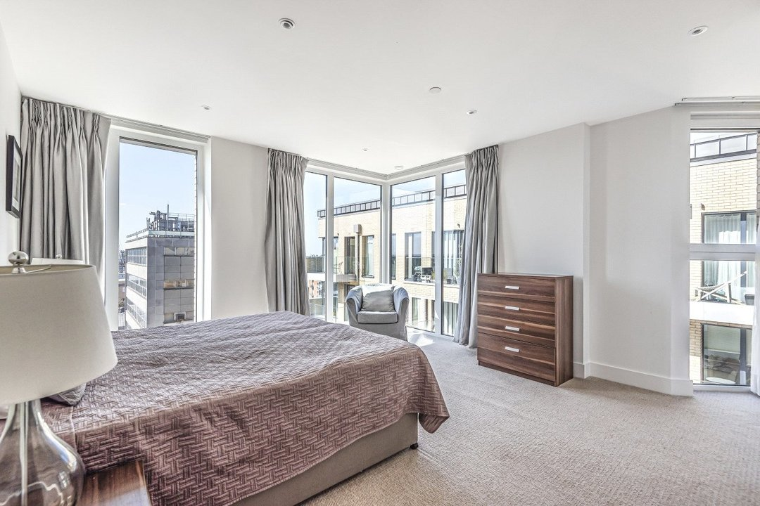 Flat for sale in Ravensbourne Apartments, 5 Central Avenue, SW6 2GN - view - 6