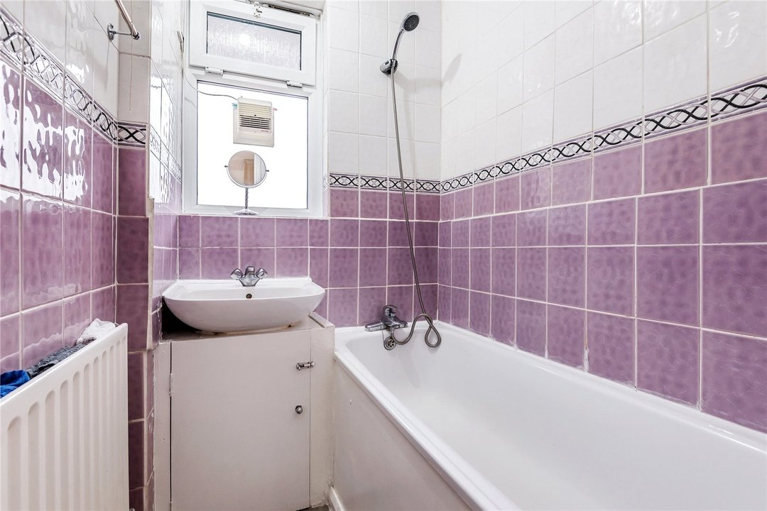 Flat for sale in Springett House, St. Matthew's Road, SW2 1NG - view - 5
