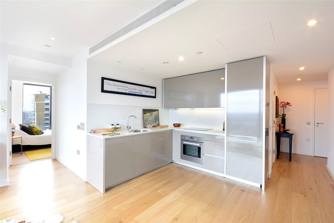 Flat for sale in Strata, 8 Walworth Road, SE1 6EL - view - 2