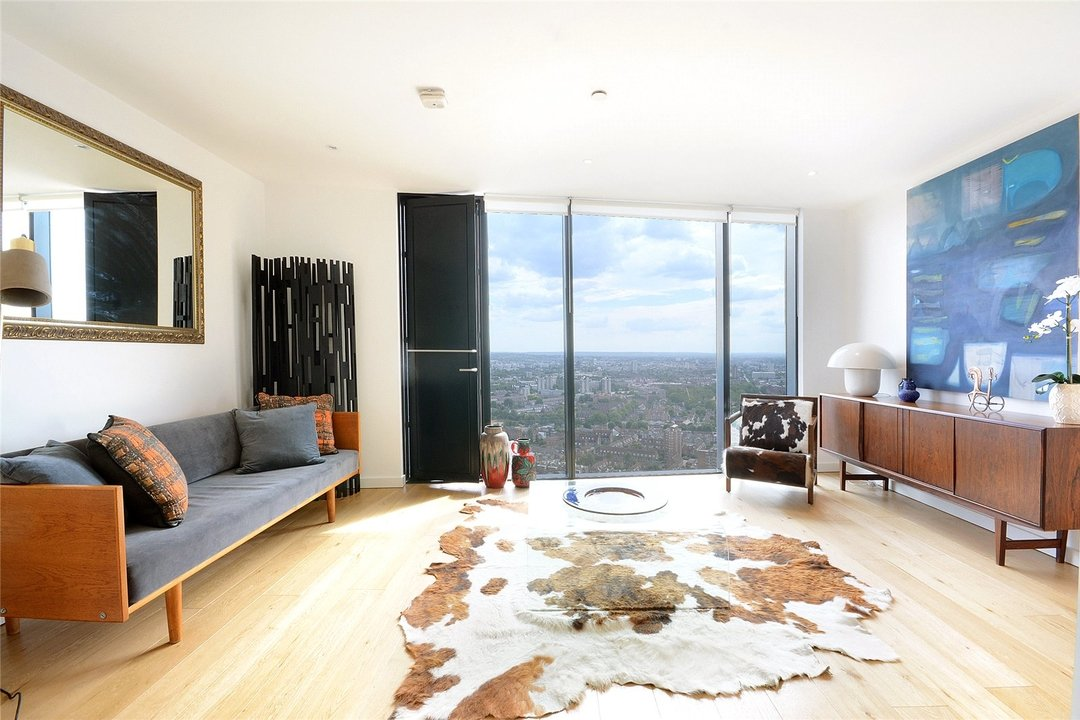Flat for sale in Strata, 8 Walworth Road, SE1 6EL - view - 1