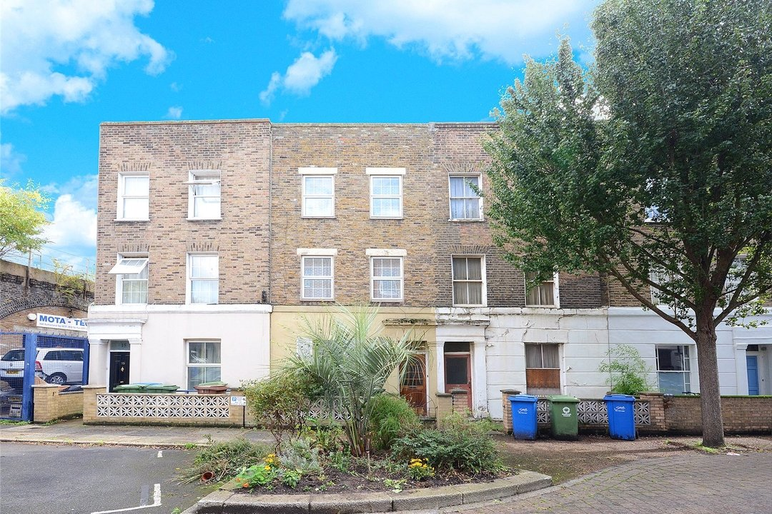 House for sale in Sutherland Square, London, SE17 3EQ - view - 1