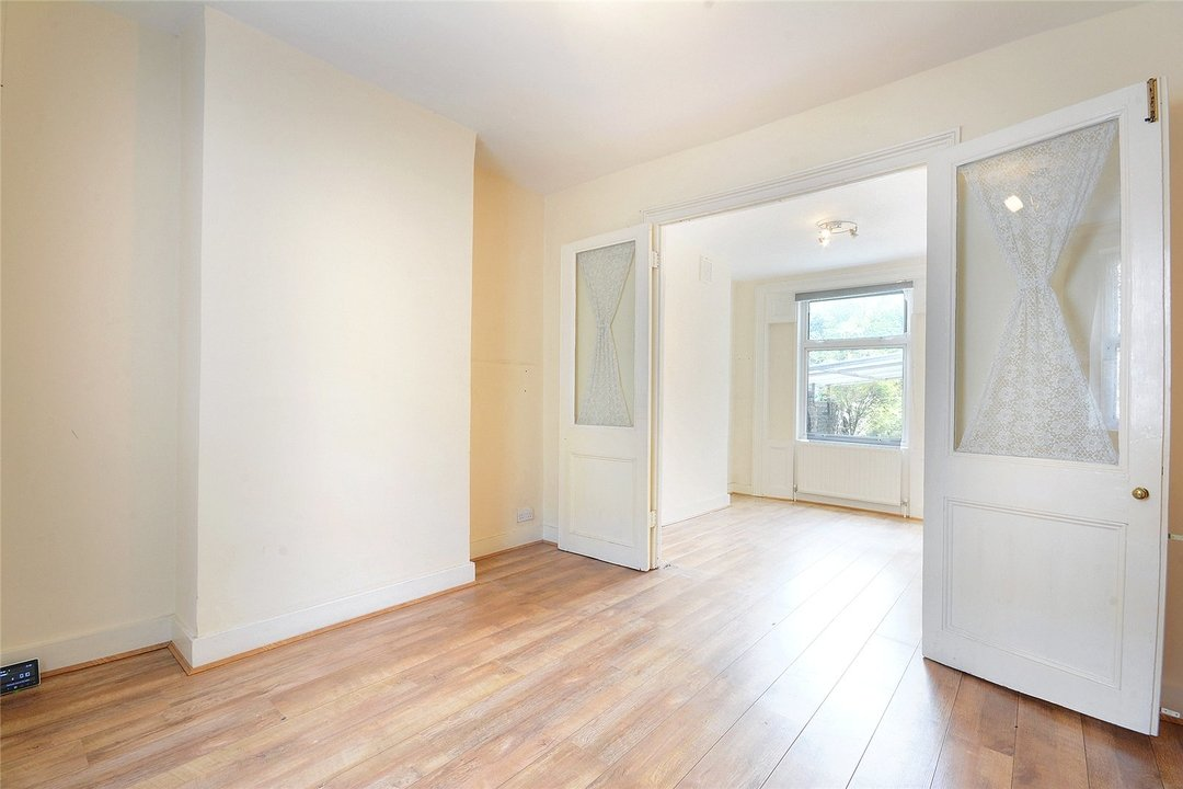 House for sale in Sutherland Square, London, SE17 3EQ - view - 6