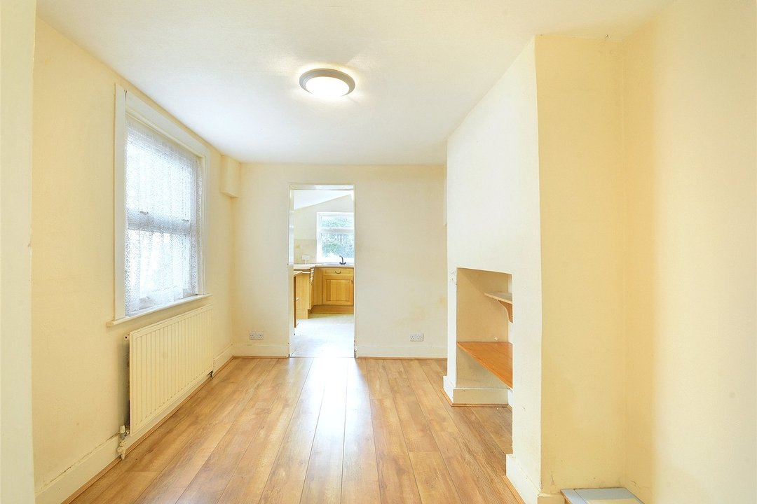 House for sale in Sutherland Square, London, SE17 3EQ - view - 7
