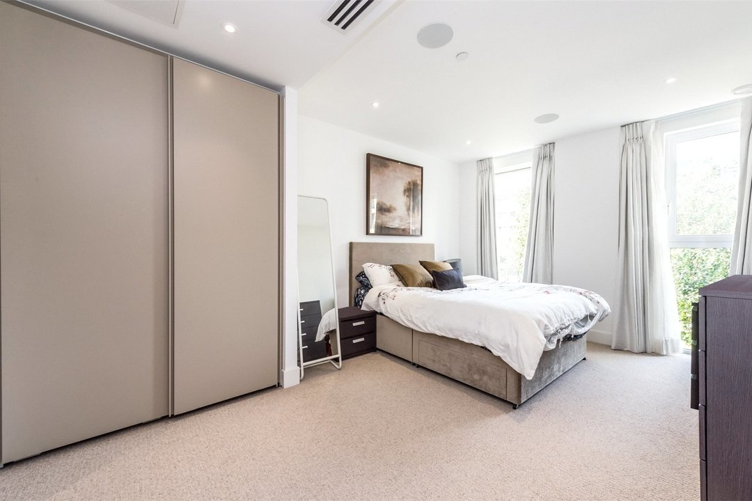 Flat for sale in Westbourne Apartments, 5 Central Avenue, SW6 2GP - view - 4