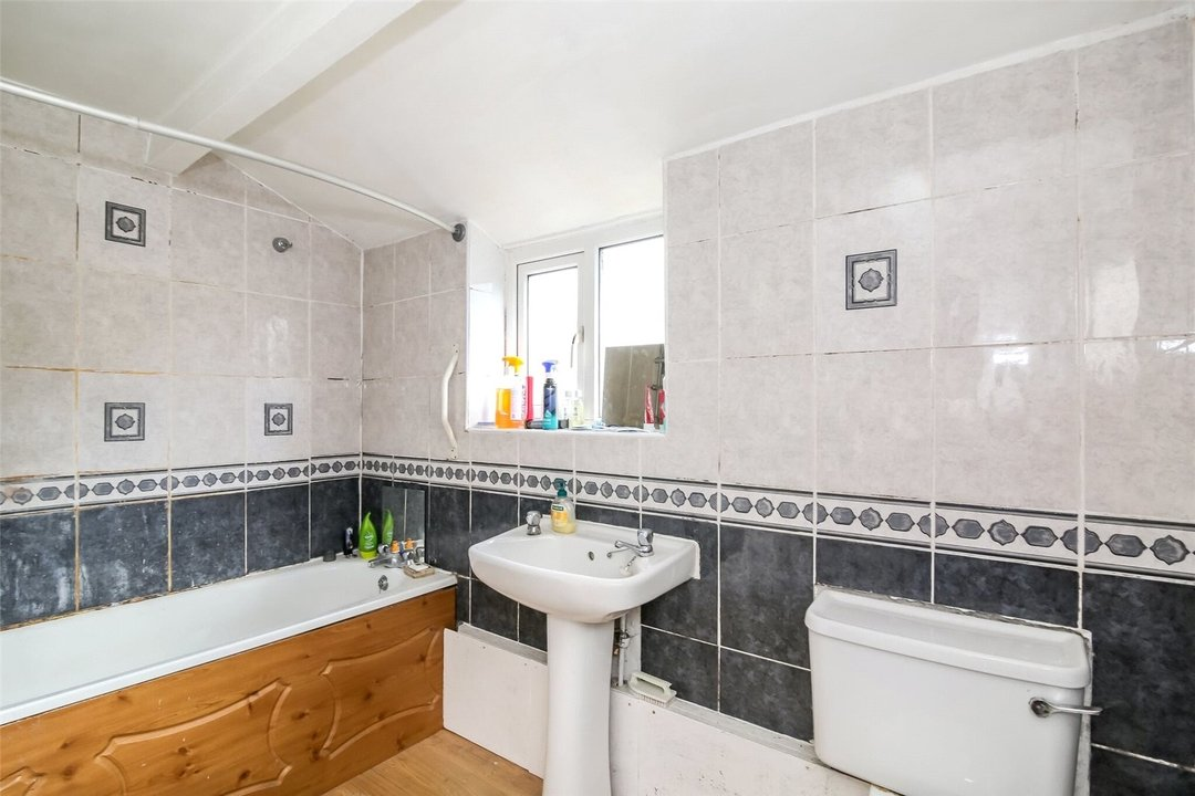 House for sale in Woodcroft Road, Thornton Heath, CR7 7HF - view - 4