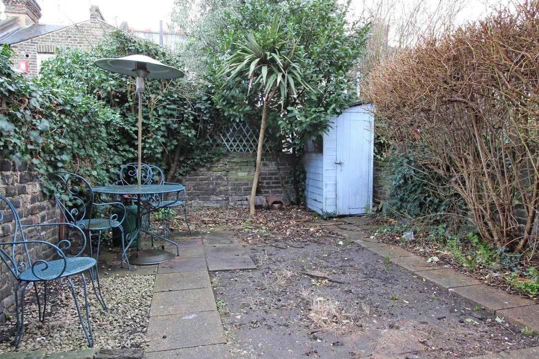 House to rent in Ashbury Road, London, SW11 5UQ - view - 7