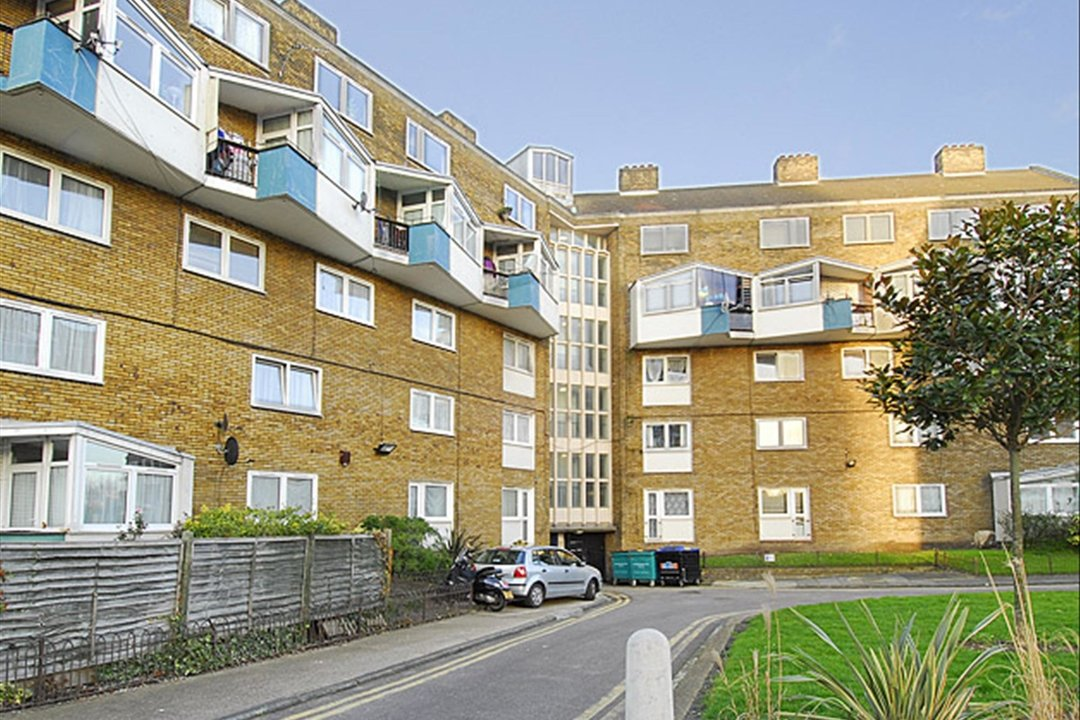 Flat to rent in Burbage Close, , SE1 4EG - view - 1