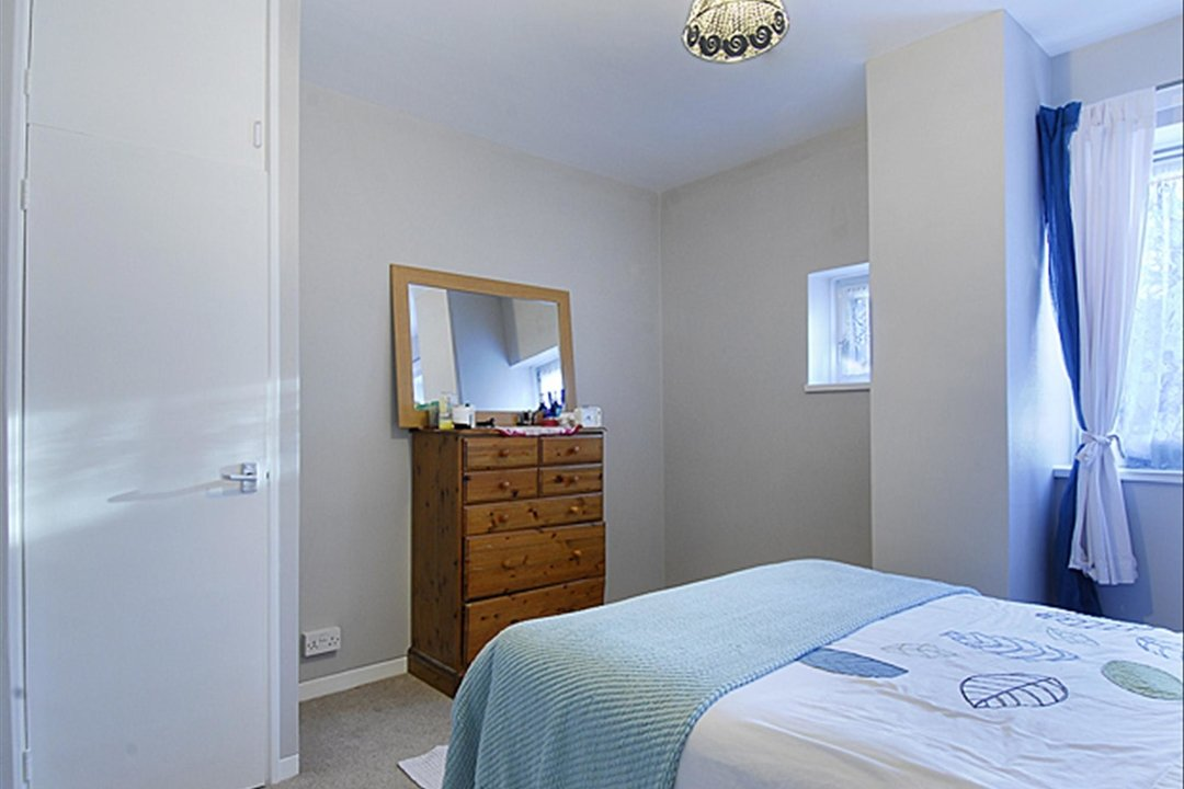 Flat to rent in Burbage Close, , SE1 4EG - view - 4