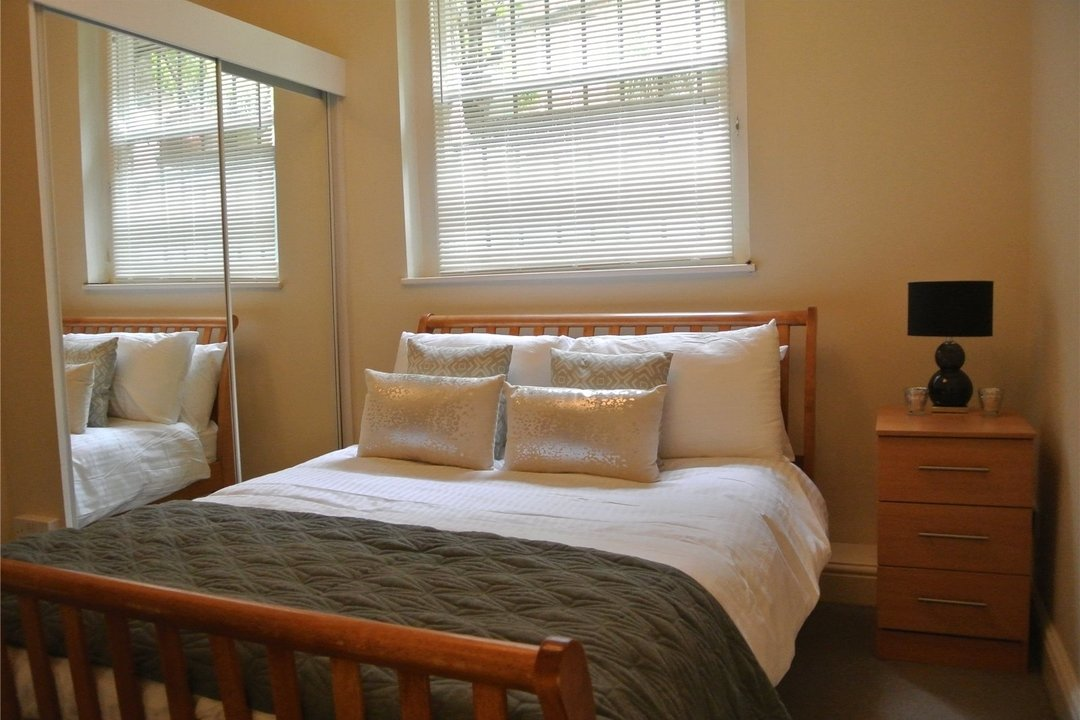 to rent in Cedar House, W1, W1U 5LU - view - 5