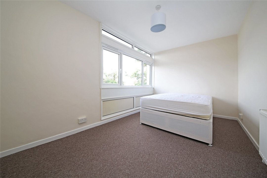 Flat to rent in Cedars Road, London, SW4 0PW - view - 5