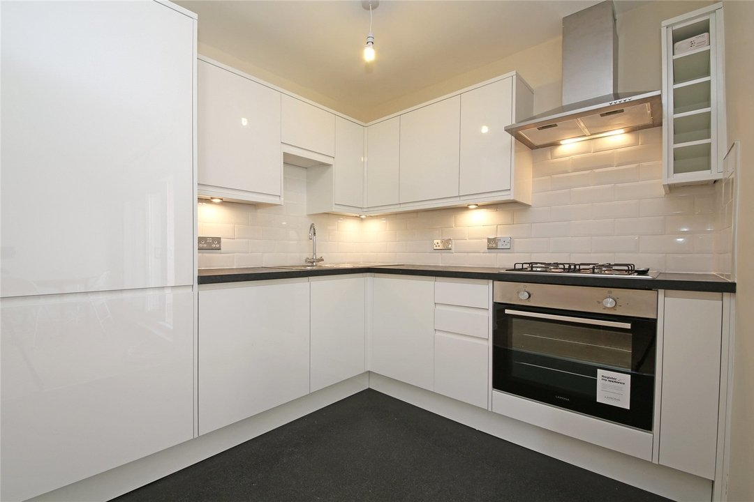 Flat to rent in Cedars Road, London, SW4 0PW - view - 3
