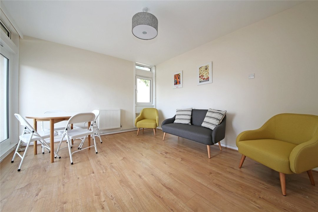 Flat to rent in Cedars Road, London, SW4 0PW - view - 2