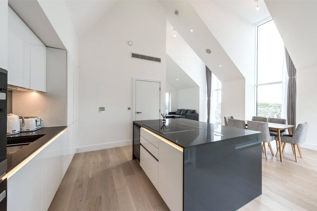 to rent in Central Avenue, London, SW6 2QE - view - 2