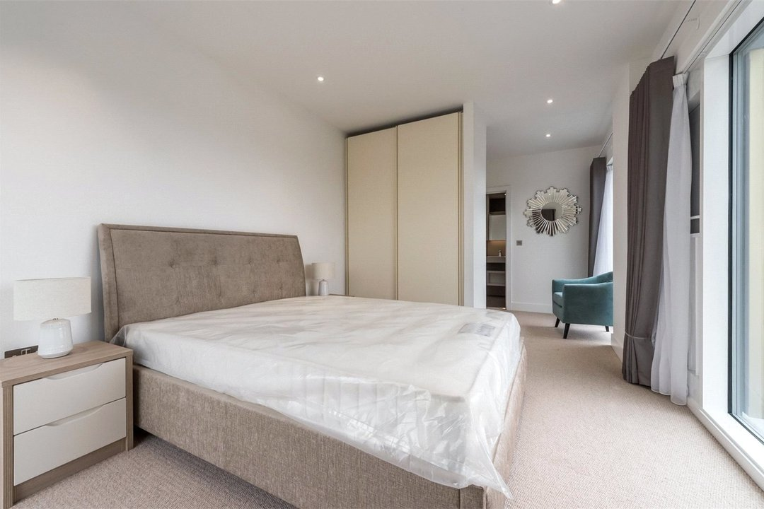 to rent in Central Avenue, London, SW6 2QE - view - 4