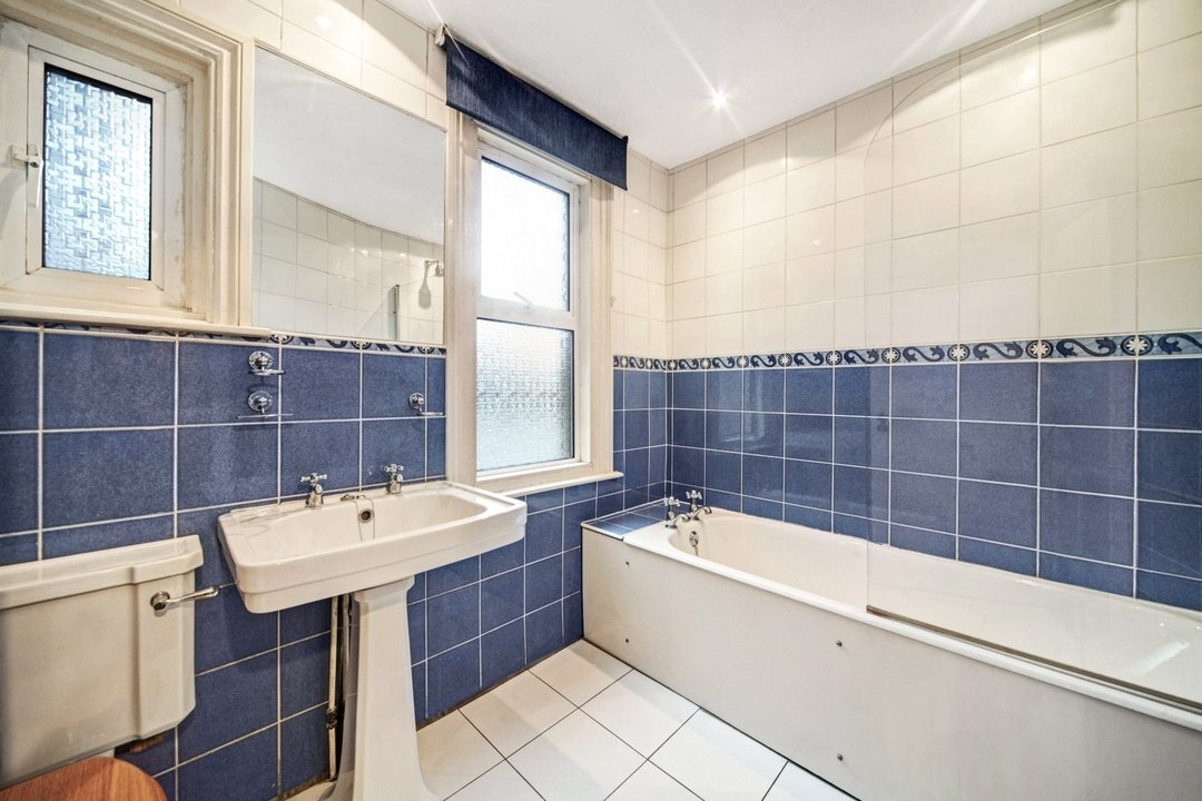 Flat to rent in Dorothy Road, London, SW11 2JP - view - 8
