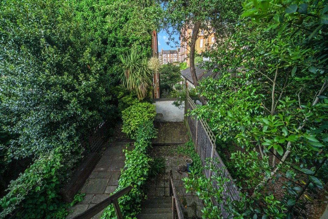 Flat to rent in Dorothy Road, London, SW11 2JP - view - 9