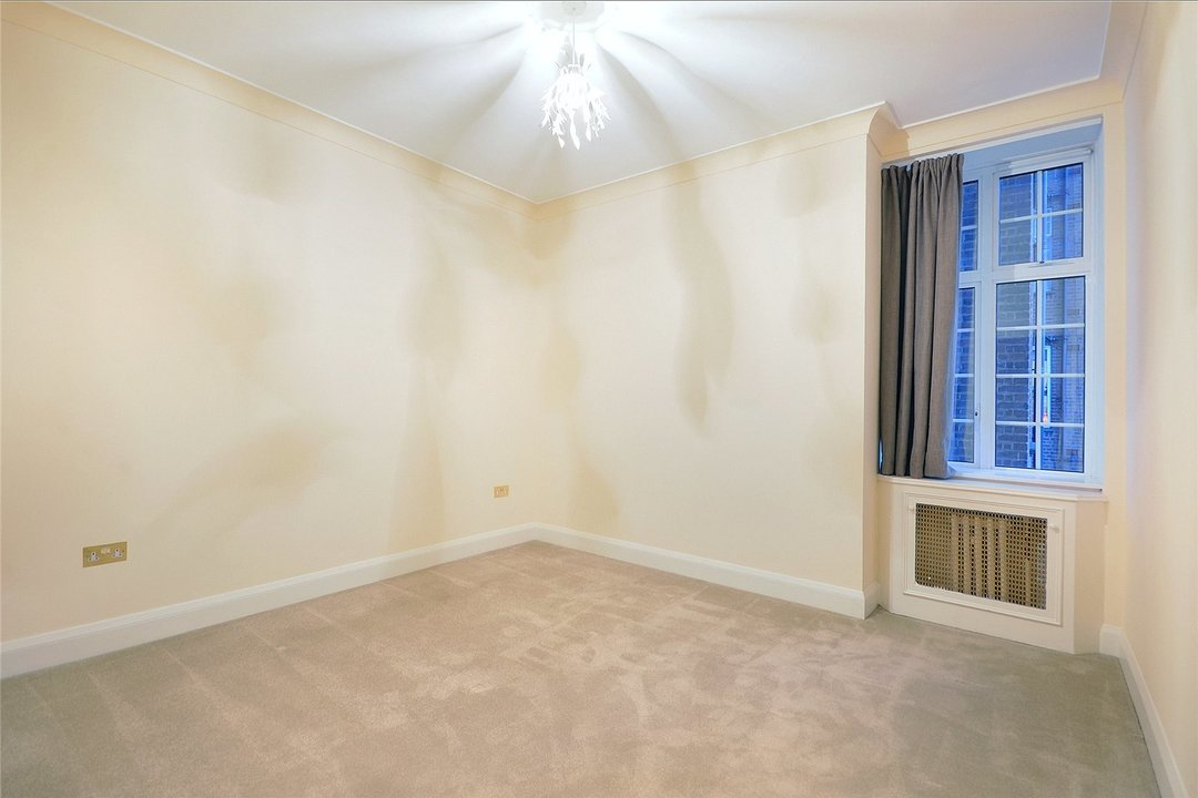 Flat to rent in Eyre Court, 3-21 Finchley Road, NW8 9TX - view - 5