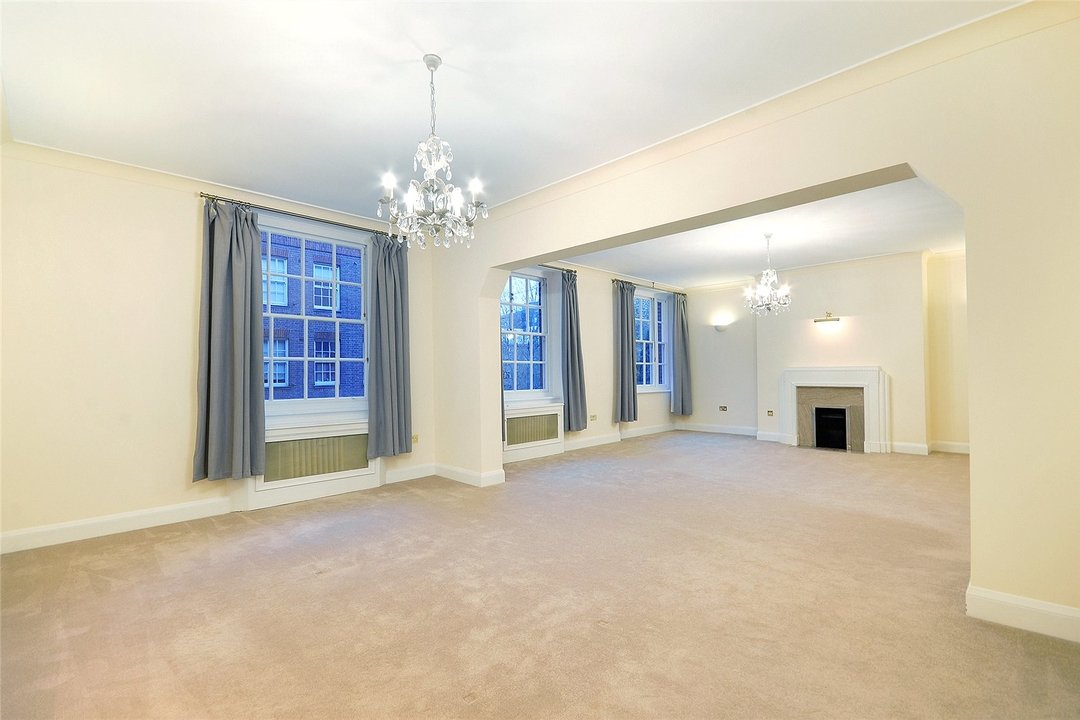 Flat to rent in Eyre Court, 3-21 Finchley Road, NW8 9TX - view - 1