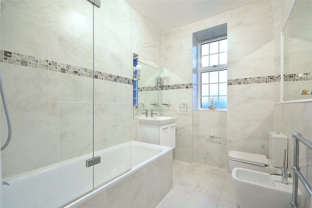 Flat to rent in Eyre Court, 3-21 Finchley Road, NW8 9TX - view - 6