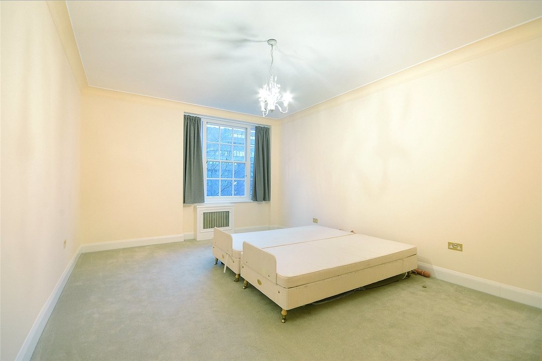 Flat to rent in Eyre Court, 3-21 Finchley Road, NW8 9TX - view - 3