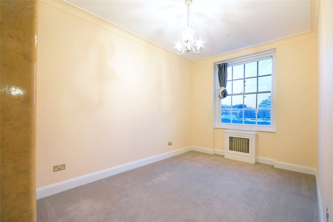 Flat to rent in Eyre Court, 3-21 Finchley Road, NW8 9TX - view - 7