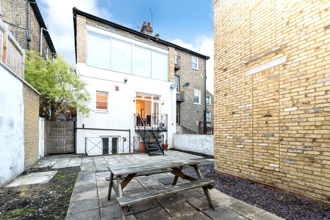Flat to rent in Falcon Road, , SW11 2PG - view - 2