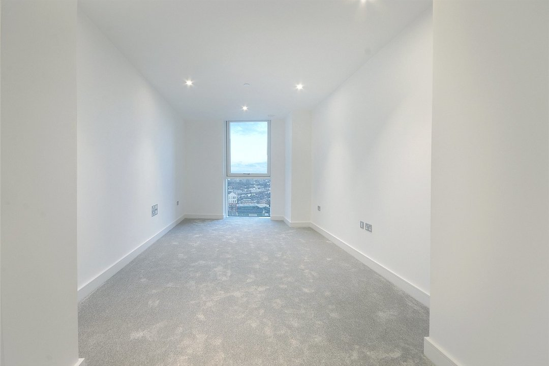 Flat to rent in Gladwin Tower, 50 Wandsworth Road, SW8 2FA - view - 8