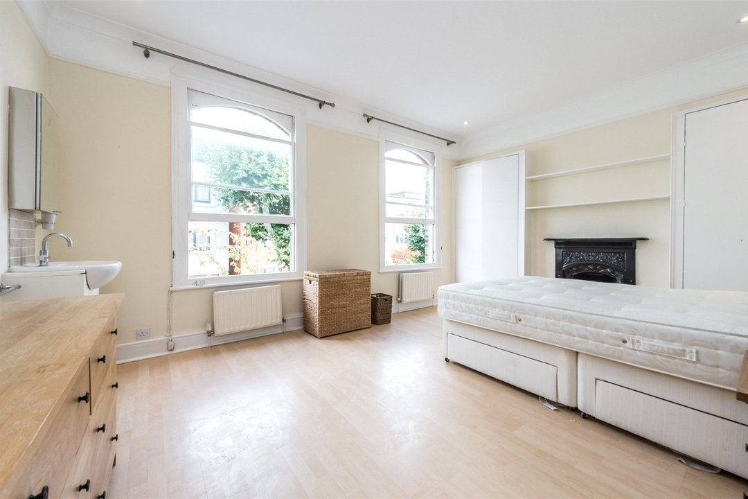 House to rent in Gowrie Road, London, SW11 5NR - view - 4