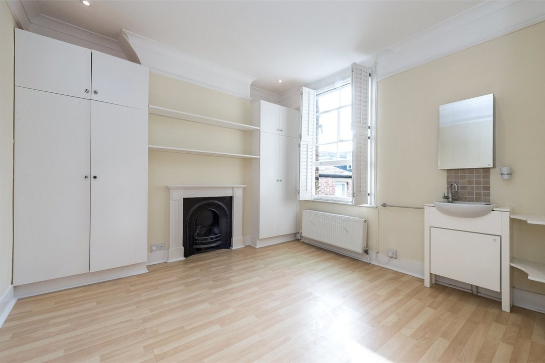 House to rent in Gowrie Road, London, SW11 5NR - view - 5