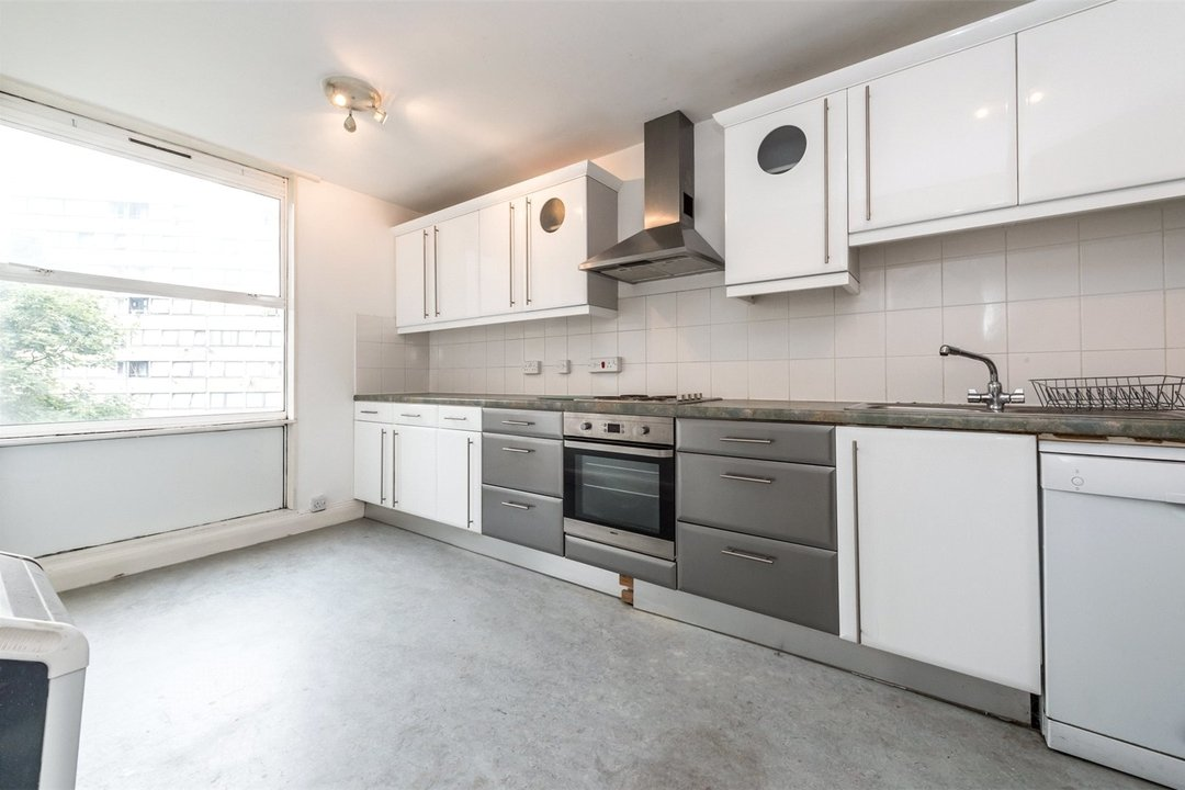 Flat to rent in Hawk House, Sullivan Close, SW11 2NN - view - 3